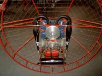 Rucksackmotor mit Zweizylinder Boxermotor